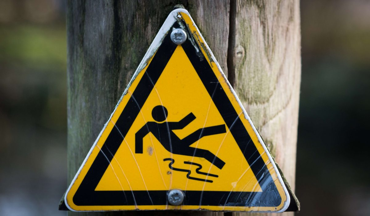 sign-warning-wet-4341